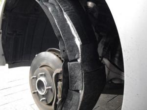 ■タイヤハウス■ タイヤハウス内の防音対策のやり直し(マークX) [写真3]