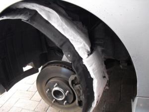 ■タイヤハウス■ タイヤハウス内の防音対策のやり直し(マークX) [写真2]