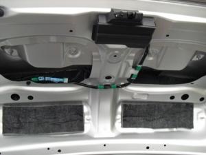 ■天井■ トランクルーム天井部分の防音対策(デッドニング)(マークX) [写真2]