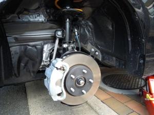 ■タイヤハウス■ タイヤハウスのロードノイズ対策:左フロント編 その1(プリウスα) [写真3]
