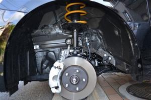 ■タイヤハウス■ タイヤハウスのロードノイズ対策:左フロント編 その2(プリウスα) [写真4]