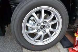 ■タイヤハウス■ タイヤハウスのロードノイズ対策:左フロント編 その2(プリウスα) [写真7]