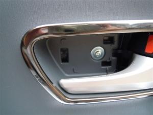 ■ドア■ フロントドアのデッドニング・防音対策 右側 その1 内張り剥がし(プリウスα) [写真1]