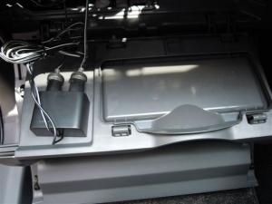 ■その他■ 助手席側グローブボックス(ダッシュボード、インパネ)の防音対策(プリウスα) [写真2]