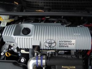 ■エンジンルーム■ エンジンヘッドカバーの保温&防音対策(プリウスα) [写真1]