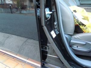 ■ドア■ 運転席側ドアパッキン部防音対策(プリウスα) [写真7]