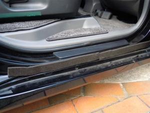 ■ドア■ 運転席側、後席ドアパッキン部防音対策(プリウスα) [写真4]