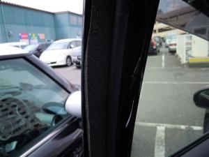 ■ドア■ 助手席側ドアパッキン部防音対策(プリウスα) [写真2]