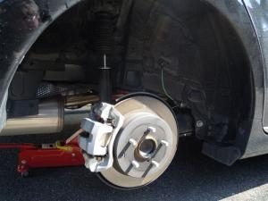 ■タイヤハウス■ 運転席側、後輪タイヤハウスの防音対策(プリウスα) [写真5]