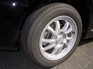 ■タイヤハウス■ 運転席側、後輪タイヤハウスの防音対策(プリウスα) [写真8]