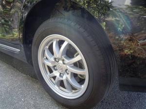 ■ピラー■ 助手席側、後輪タイヤハウスの防音対策(プリウスα) [写真8]