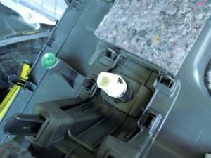 ■ピラー■ 運転席側Cピラー(タイヤハウス周辺)の防音対策 その1(プリウスα) [写真7]
