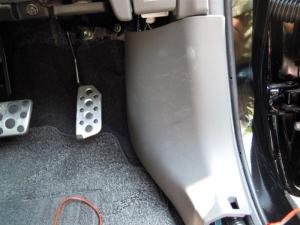 ■その他■ 運転席キックパネルの防音対策(プリウスα) [写真1]