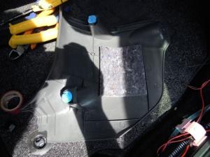 ■その他■ 運転席キックパネルの防音対策(プリウスα) [写真2]
