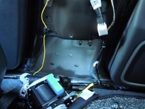 ■ピラー■ 運転席側Bピラーの防音対策(デッドニング) その1[軽自動車:ワゴンR] [写真8]