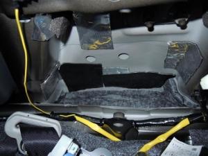 ■ピラー■ 運転席側Bピラーの防音対策(デッドニング) その2[軽自動車:ワゴンR] [写真3]