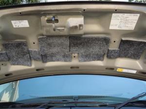■エンジンルーム■ ボンネットの防音対策(デッドニング)[軽自動車:ワゴンR] [写真4]