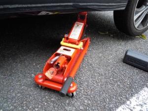 ■タイヤハウス■ 運転席側フロントタイヤハウスのロードノイズ防音対策 その1[軽自動車:ワゴンR] [写真2]