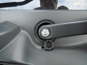 ■エンジンルーム■ エンジンルーム側バルクヘッド上部の防音対策(デッドニング) その1[軽自動車:ワゴンR] [写真4]