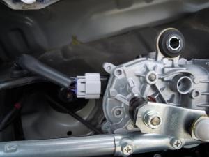 ■エンジンルーム■ エンジンルーム側バルクヘッド上部の防音対策(デッドニング) その2[軽自動車:ワゴンR] [写真8]